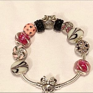 Disney Jewelry - 💗Minnie-Mouse-Charm/925 Silver Minnie Bracelet🌸